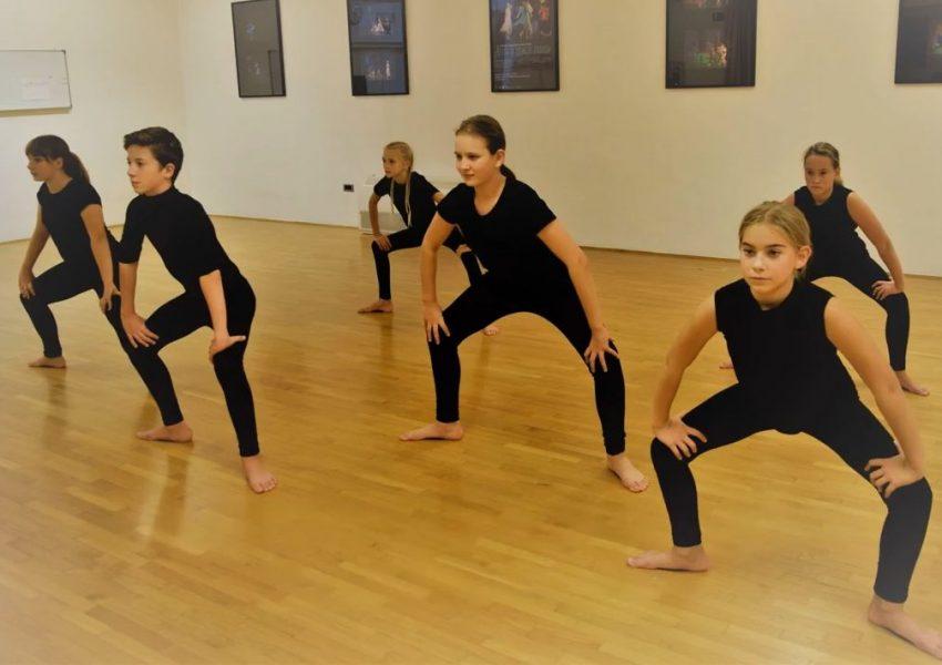 Škola suvremenog plesa